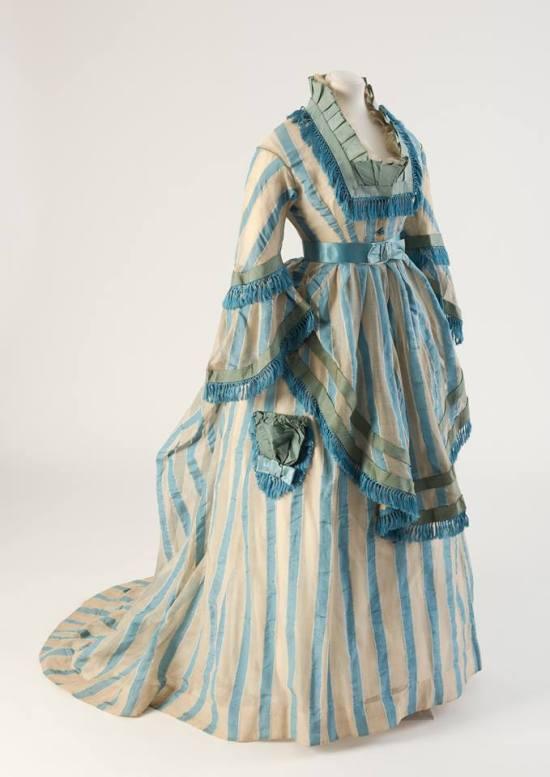1874 Cotton Gauze Day Dress.(Fashion Museum Bath)