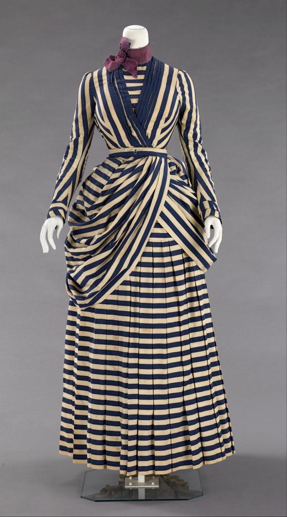 1885-1888 Tennis Dress.(Image via Met Museum)