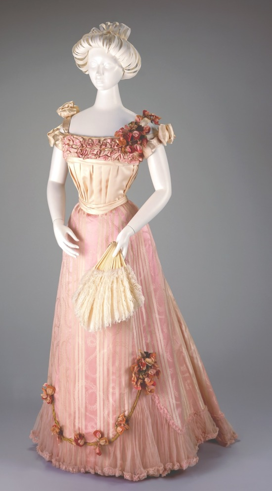 1898-1901 Pink Silk Evening Dress.(Cincinnati Art Museum)