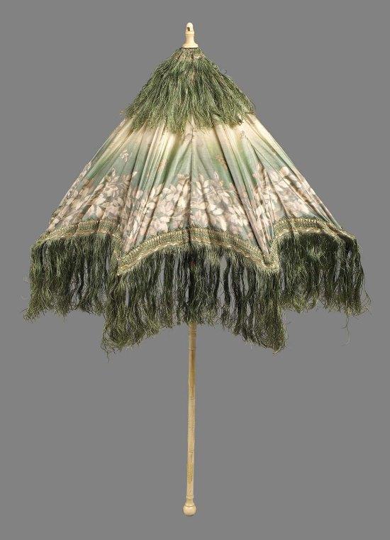 Late 19th Century French Silk Taffeta Parasol.(MFA Boston)