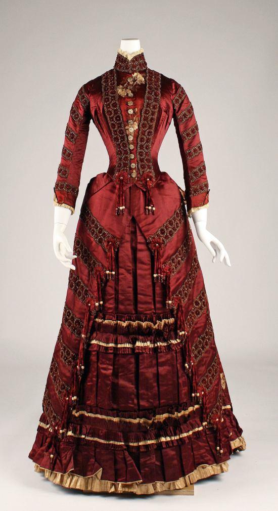1879 Red Silk Dress.(Met Museum)