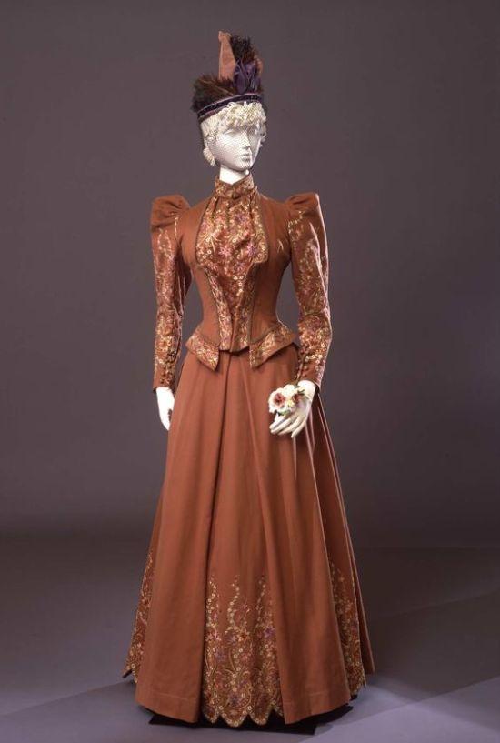 1891 Walking Dress.(Galleria del Costume di Palazzo Pitti/Europeana Fashion)