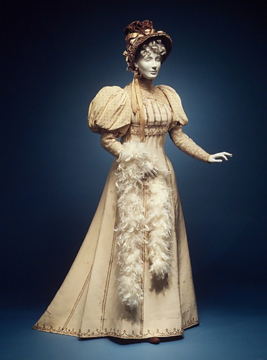 1892 House of Worth Afternoon Dress. (Met Museum)