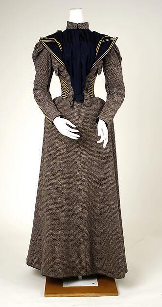 1893 Wool Walking Dress.(Met Museum)