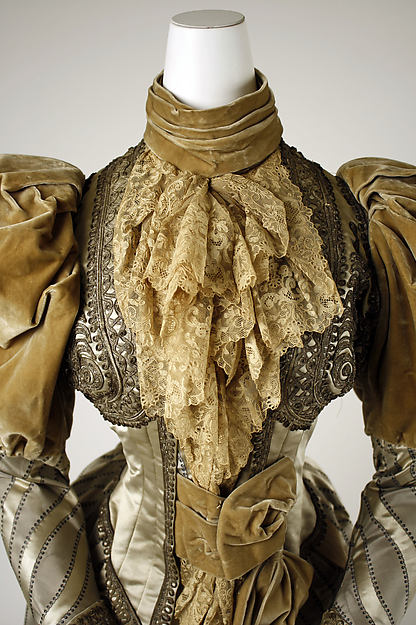 1894 Silk Dress.(Met Museum)