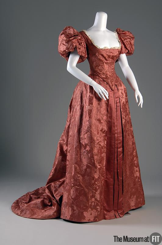 1895 Evening Dress.(Museum at FIT)
