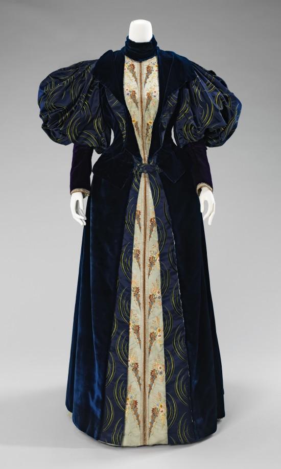 1895 Laboudt & Robina Silk Dress.(Met Museum)