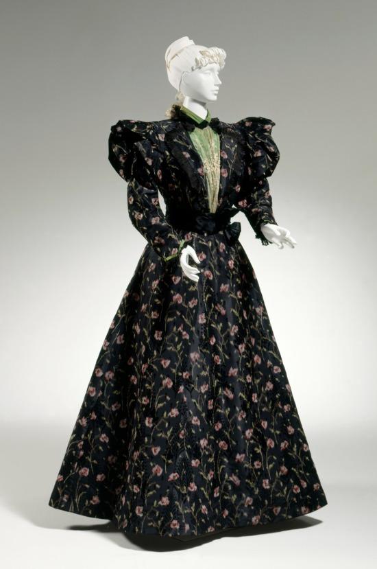 1896-1898 Silk Afternoon Dress.(Cincinnati Art Museum)