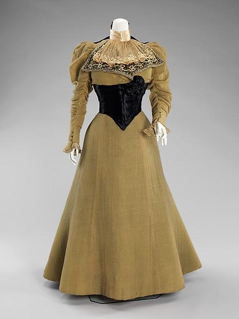 1896-1899 Wool Dress with Swiss Belt.(Met Museum)