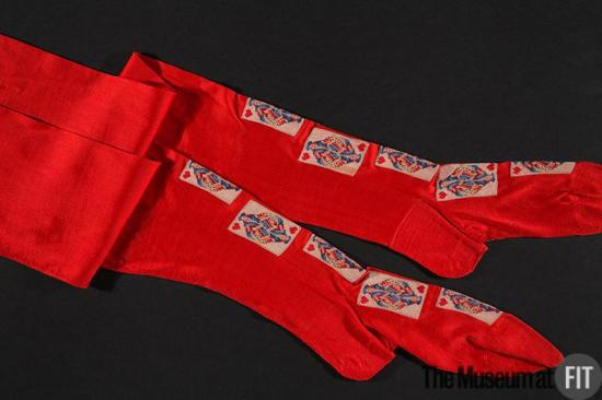 1900 Red Silk Knit Stockings.(Museum at FIT)