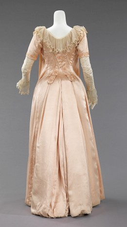 1885 Liberty & Co. British Silk Tea Gown.(Met Museum)