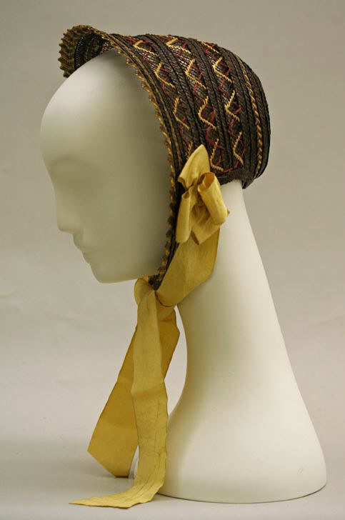 1842 Straw and Silk Sunbonnet.(Met Museum)