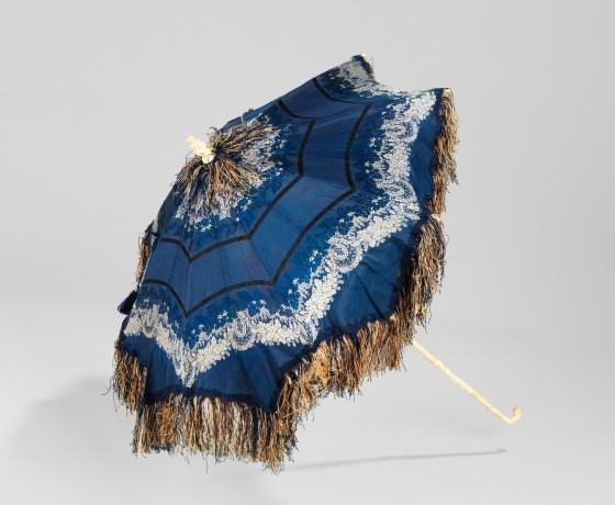 1850-1859 Blue Silk Parasol.(Met Museum)