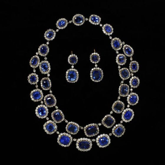 1850 Sapphire and Diamond Necklace and Earrings.(Victoria and Albert Museum)