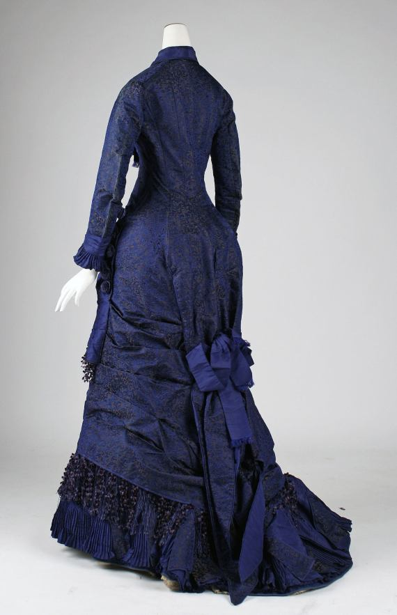1876 Silk Dinner Dress.(via Met Museum)